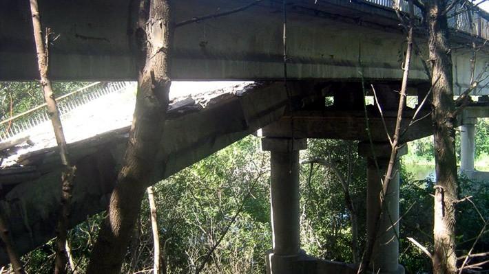 В Донецкой области взорван мост через Северский Донец