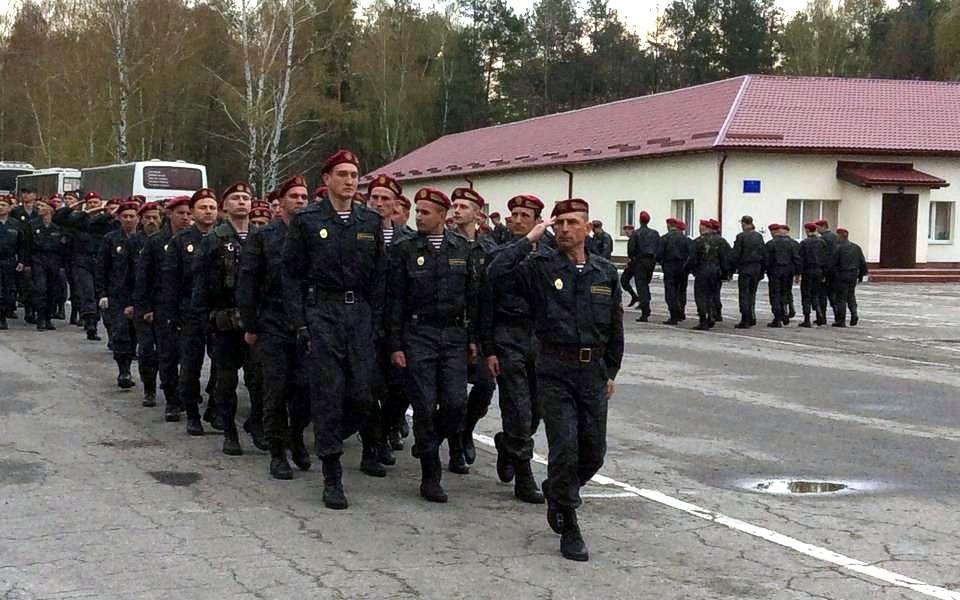Первый батальон Национальной гвардии выдвинулся на Донбасс