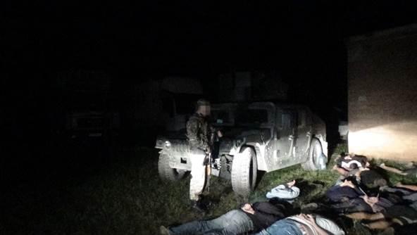 СБУ задержала в зоне АТО 21 фуру с контрабандой