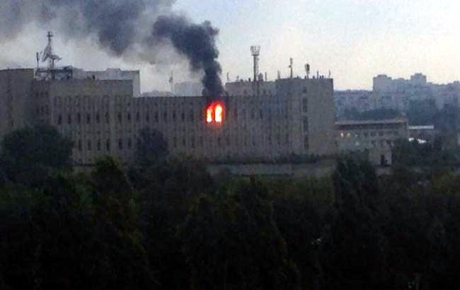 Пожар в здании Харьковского института радиоизмерений тушили всю ночь