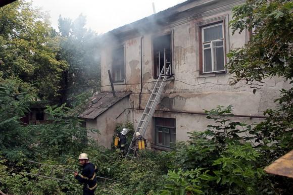 В Луганске произошел взрыв в жилом доме. Есть пострадавшие