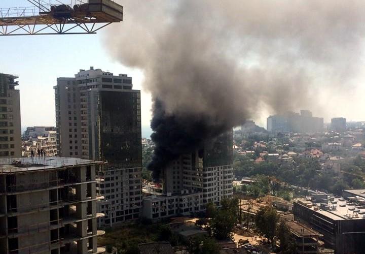 В ГСЧС назвали причину возгорания одесской многоэтажки