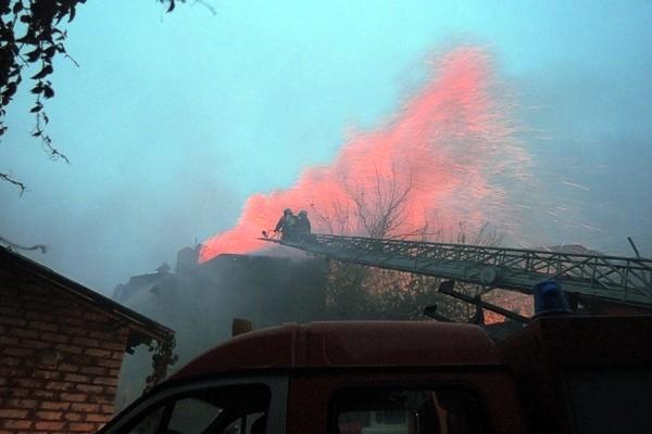 В Киеве горело офисное здание на Подоле