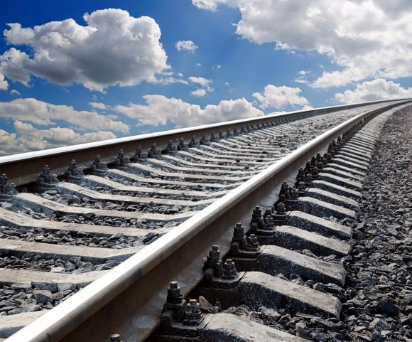 На Луганщине из-за подрыва сошел с рельс грузовой поезд