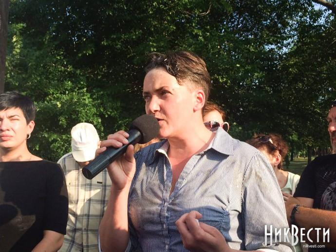 Савченко угодила под обстрел яйцами вУкраинском государстве