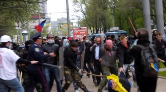 Сепаратисты организовали побоище в Донецке