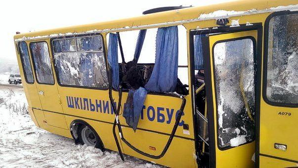 На Сумщине школьный автобус попал в ДТП: 11 детей пострадали
