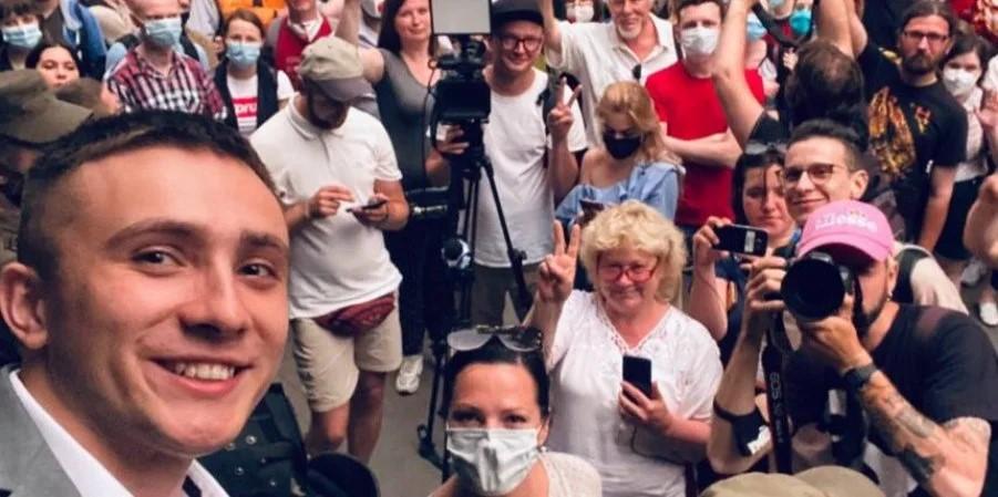 Суд вынес приговор одесскому активисту Стерненко: один год условно
