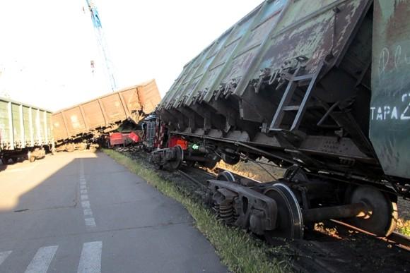 В Николаевском порту с рельс сошел поезд