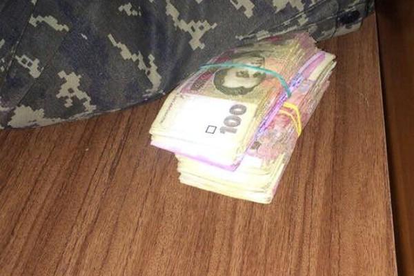 Офицеры отдела пограничной службы «Бахмут» «погорели» на взятке
