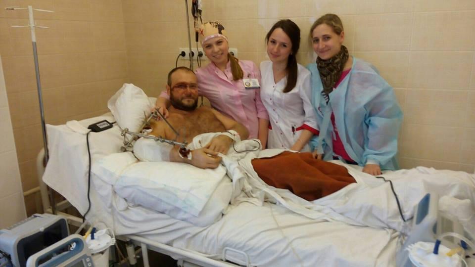 Появилось первое фото Яроша после ранения