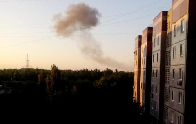 Донецк сотряс мощный взрыв: Над городом черный дым